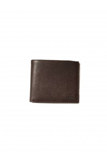 Brown Tod's wallet